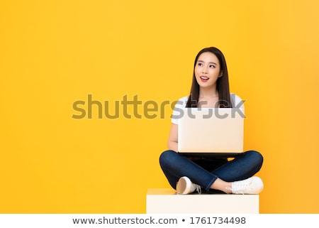 mooie · vrouwelijke · voeten · laptop · schoenen · vrouwen - stockfoto © feedough