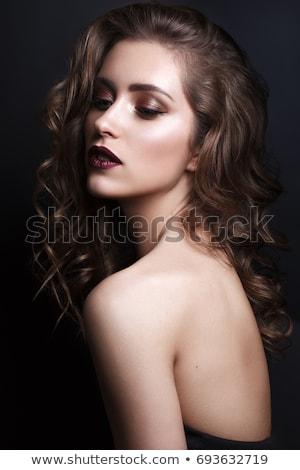 Fată întuneric buzele coafura frumos Imagine de stoc © svetography