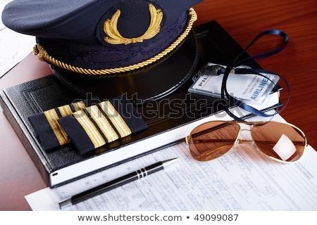 profissional · companhia · aérea · piloto · equipamento · seis - foto stock © amaviael