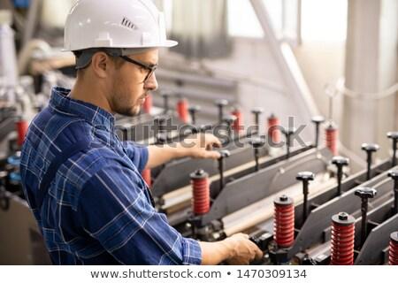 新しい · 行 · 工場 · 車 · 技術 - ストックフォト © pressmaster