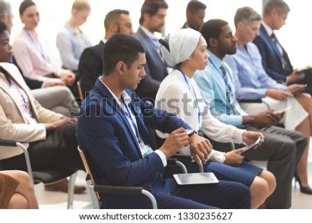 Ver jovem empresário negócio seminário Foto stock © wavebreak_media