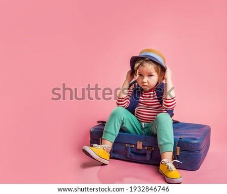 ストックフォト: 面白い · 少年 · 旅行 · スーツケース