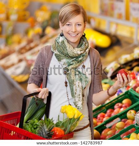 счастливым случайный женщину корзины свежие цветы Сток-фото © pressmaster