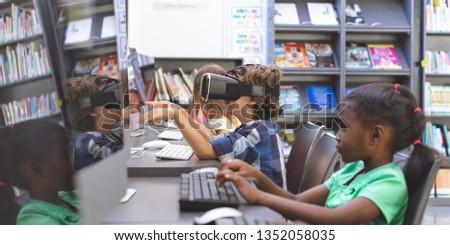 вид сбоку школьник виртуальный реальность гарнитура указывая Сток-фото © wavebreak_media