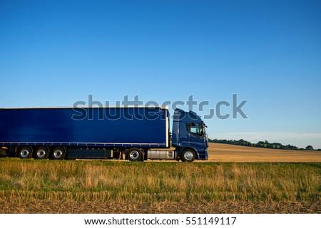 Mavi kamyon mavi gökyüzü Stok fotoğraf © njnightsky