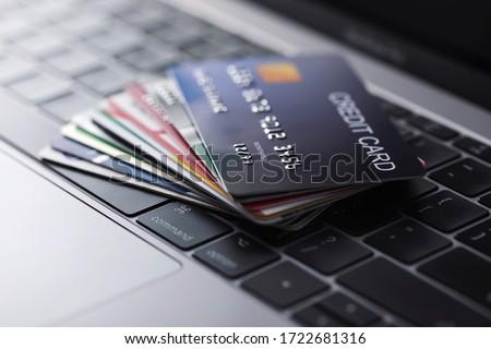 Kredi kartı erkek el arka plan alışveriş Stok fotoğraf © fuzzbones0