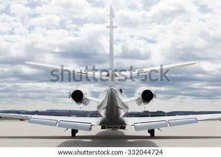 aeromobili · piano · aeroporto · nuvoloso · cielo · sole - foto d'archivio © juniart