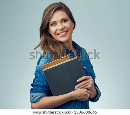 Portré gyönyörű fiatal kaukázusi nő tart Stock fotó © wavebreak_media