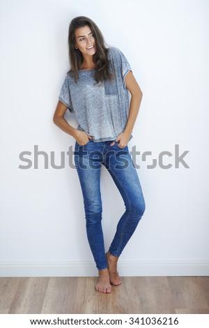 Sexy séduisant brunette lingerie cheveux longs fond blanc Photo stock © zapatrzony