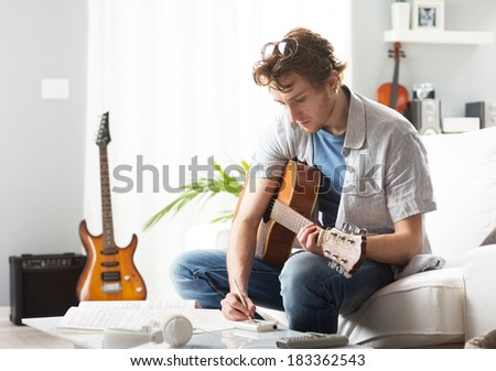 guitariste · musicien · écrit · chanson · guitare · main - photo stock © sumners