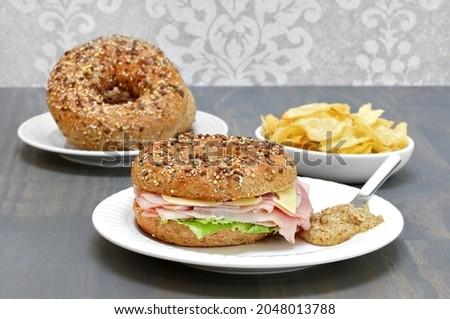 Bagel sonka sajt saláta szendvics oldal Stock fotó © rojoimages