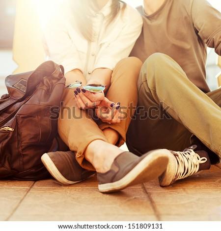 jonge · liefhebbend · paar · vergadering · buitenshuis · avond - stockfoto © deandrobot