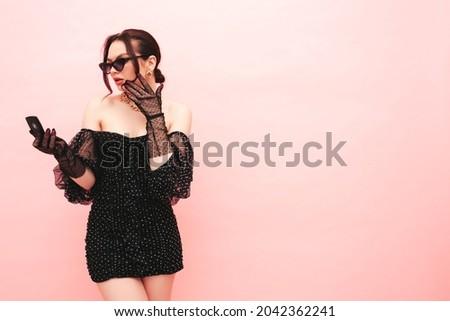 Güzel seksi genç kadın ayna yüz güzellik Stok fotoğraf © arturkurjan