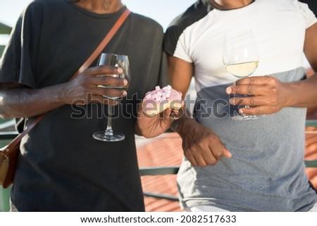 Közelkép férfi homoszexuális pár pezsgő szemüveg Stock fotó © dolgachov
