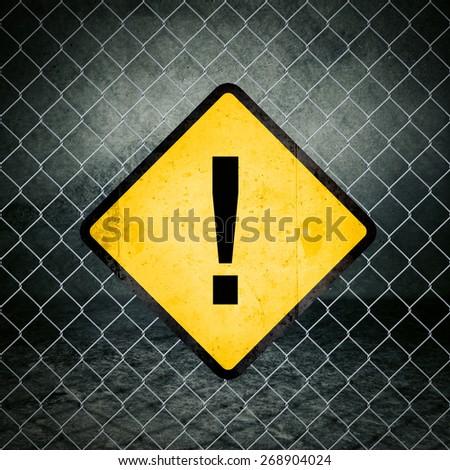 Punto esclamativo grunge giallo recinzione industriali Foto d'archivio © stevanovicigor