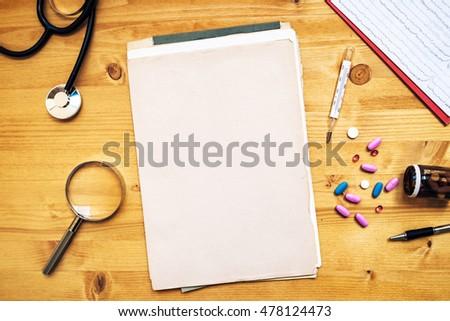 irodaszerek · általános · orvosi · háziorvos · munka · asztal - stock fotó © stevanovicigor