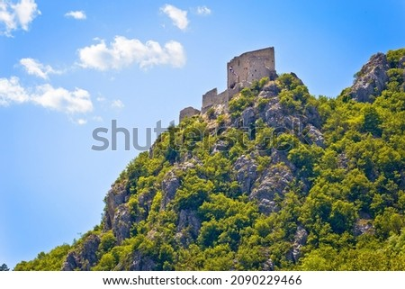 Miasta Hill twierdza ruiny widok z lotu ptaka dalmatyński Zdjęcia stock © xbrchx