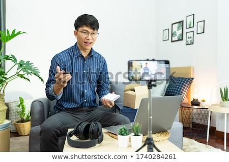 Asian man technologie blogger social media presenteren Stockfoto © snowing