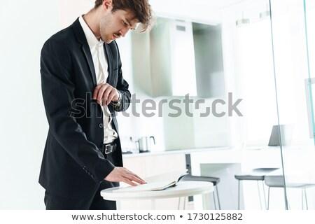 Foto ernst Geschäftsmann Planer tragen Stock foto © deandrobot