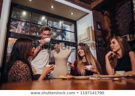tea · megbeszélés · nők · iszik · beszélget · ruházat - stock fotó © blanaru