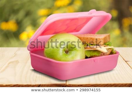 Măr rupe fericit birou fată mananca Imagine de stoc © PetrMalyshev