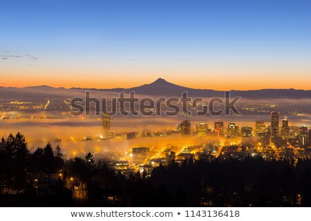 Oregon · cityscape · sunrise · brumeux · centre-ville · panorama - photo stock © davidgn