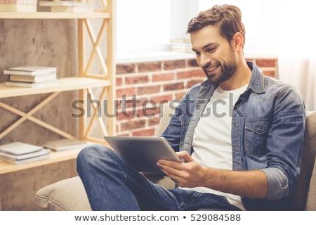 casual · hombre · tableta · joven · ambos - foto stock © deandrobot