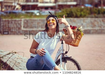 rowerów · kwiaty · czerwony · vintage · rower · koszyka - zdjęcia stock © vlad_star