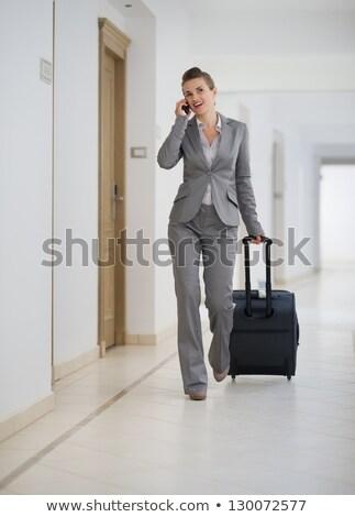 Frauen Gepäck Mobiltelefon Frau Telefon Reise Stock foto © IS2