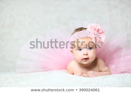 belo · bonitinho · menina · mentiras - foto stock © traimak