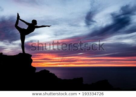 donna · yoga · albero · posa · mare - foto d'archivio © blasbike