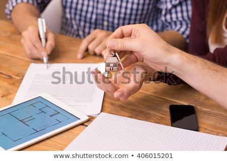 Pessoas mão assinatura contrato teclas Foto stock © AndreyPopov