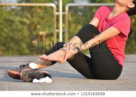 asiático · mulher · dolorido · pé · belo · jovem - foto stock © piedmontphoto