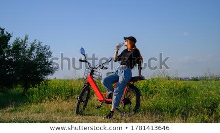 biciklisták · pihen · motorozás · kint · vegyes · csoport - stock fotó © ongap