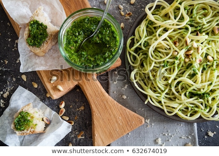 pesto · sarımsak · taze · otlar · zeytinyağı · ev · yapımı - stok fotoğraf © joker