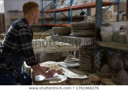 Foto stock: Masculino · escrita · clipboard · cerâmica · oficina · negócio
