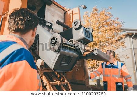 Szemét eltávolítás férfiak dolgozik nyilvános hasznosság Stock fotó © Kzenon