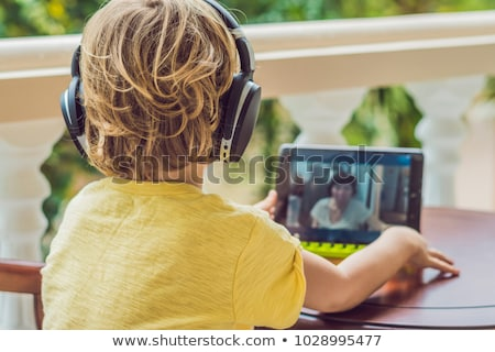 Jongen tropen praten vrienden familie video Stockfoto © galitskaya