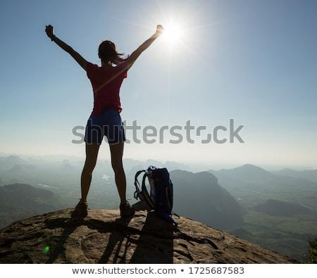 vrouw · kajakken · mooie · berg · meer · vreedzaam - stockfoto © lichtmeister