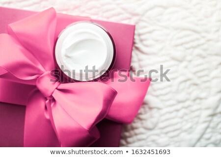 lusso · crema · per · il · viso · delicato · pelle · rosa · vacanze - foto d'archivio © anneleven