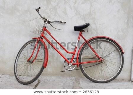 ciudad · bicicleta · concretas · pared · vintage · estilo - foto stock © stevanovicigor