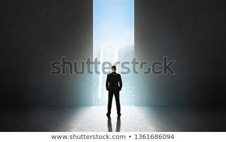 Luz abrir a porta escuro quarto vazio abstrato assinar Foto stock © vapi