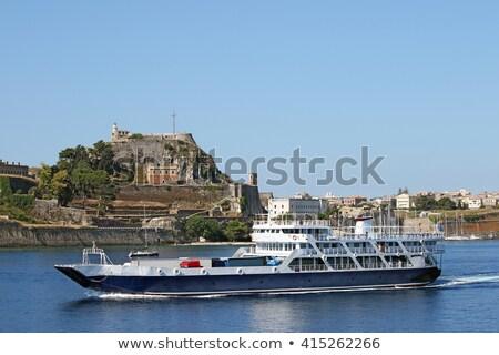 Feribot tekne yakın kasaba gökyüzü su Stok fotoğraf © goce
