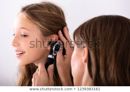 Bambino medico orecchio infezione african american ragazza Foto d'archivio © AndreyPopov