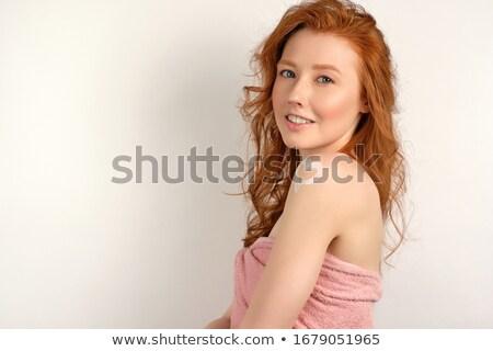 güzel · bir · kadın · yüz · beyaz · havlu · kırmızı · kalp - stok fotoğraf © pekour