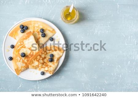 russo · panquecas · salmão · salada · isolado · branco - foto stock © neiromobile