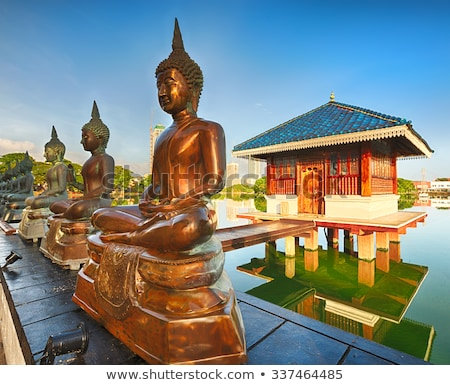 buddhista · istentisztelet · hely · vallás · ajtó · háttér - stock fotó © scenery1