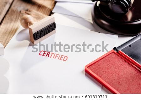 Rouge tampon document certifié note bouton Photo stock © Zerbor