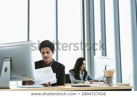 üzletember · üzletasszony · táblagép · üzlet · technológia · internet - stock fotó © dolgachov