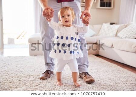 Stałego ojciec pomoc domu rodziny Zdjęcia stock © dolgachov